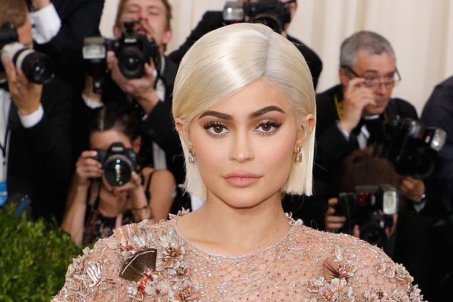 Kylie Jenner tren da tro thanh nu ty phu tu lap tre nhat the gioi hinh anh