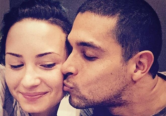 Chuyen tinh hop - tan lien tuc trong suot 8 nam cua Demi Lovato hinh anh