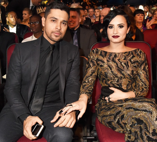 Chuyen tinh hop - tan lien tuc trong suot 8 nam cua Demi Lovato hinh anh 8