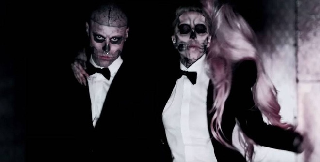Lady Gaga xin loi vi nghi chang Zombie Boy qua doi do tu tu hinh anh 2