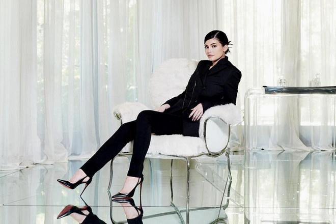 Kylie Jenner khoe bo suu tap tui xach dat do anh 2