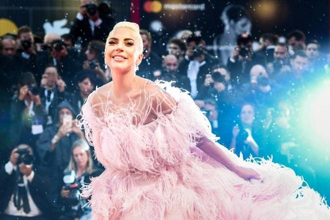 Dien dam nu tinh, Lady Gaga dan dau danh sach sao dep tuan qua hinh anh