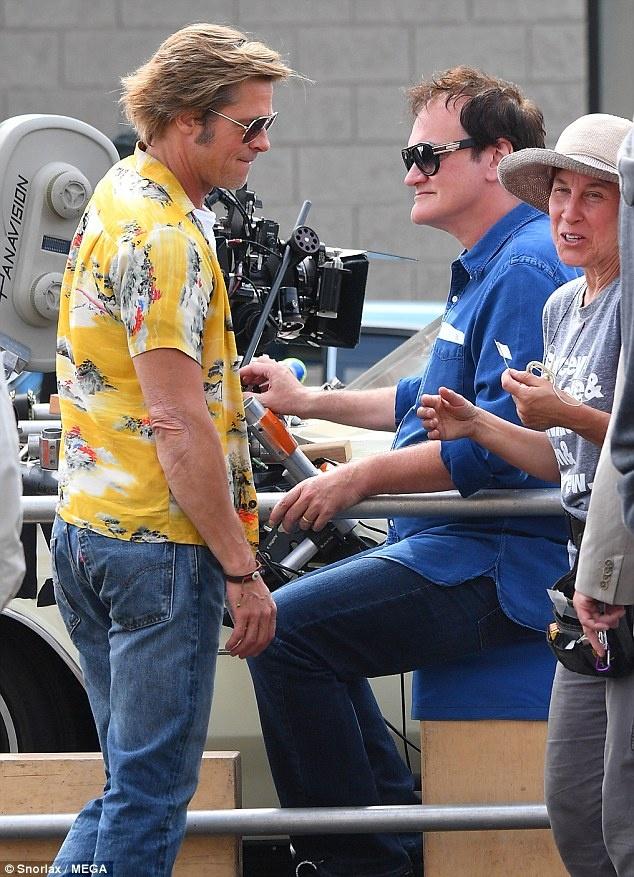 Brad Pitt mac ao sac so, vui ve tren phim truong bom tan moi hinh anh 4