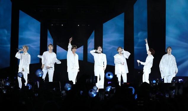 Nhom nhac BTS ra mat phim tai lieu 'Burn the Stage: the Movie' hinh anh