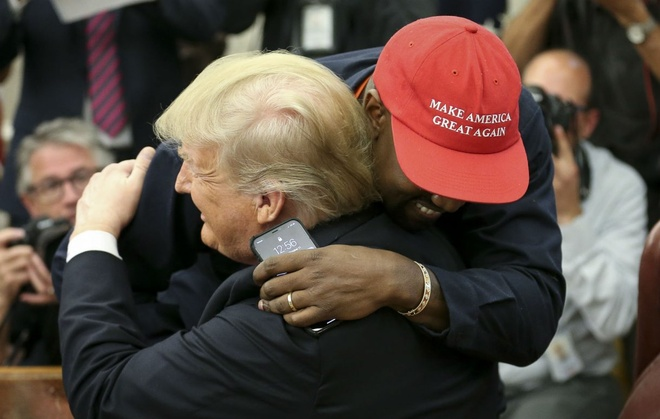 Kim Kardashian khong xau ho khi chong bi chi trich vi ung ho Trump hinh anh 1