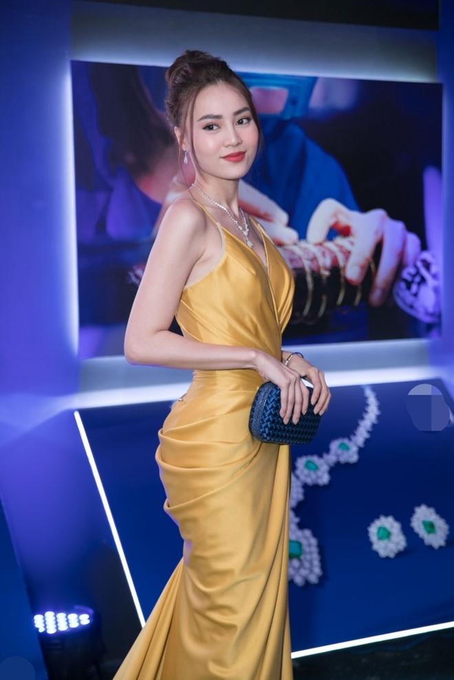 Thanh Hang quy phai, Angela Phuong Trinh mac nu tinh tuan qua hinh anh 7