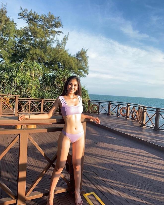 Tieu Vy mac goi cam tai Hoa hau The gioi 2018 hinh anh 5