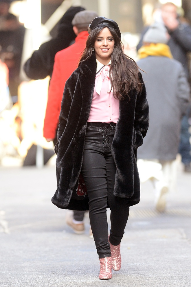 Street style cua Miley Cyrus anh 5