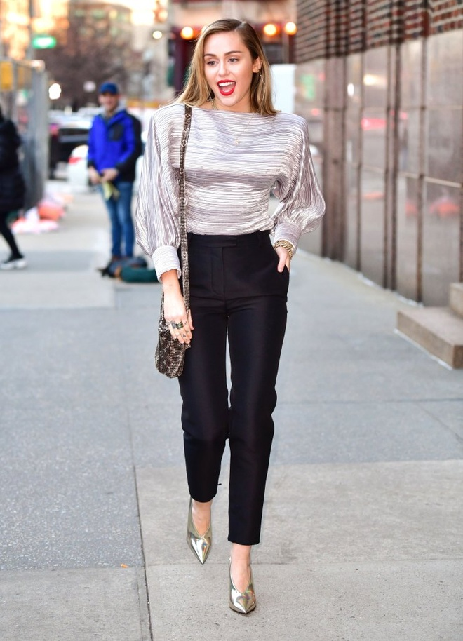 Street style cua Miley Cyrus anh 1