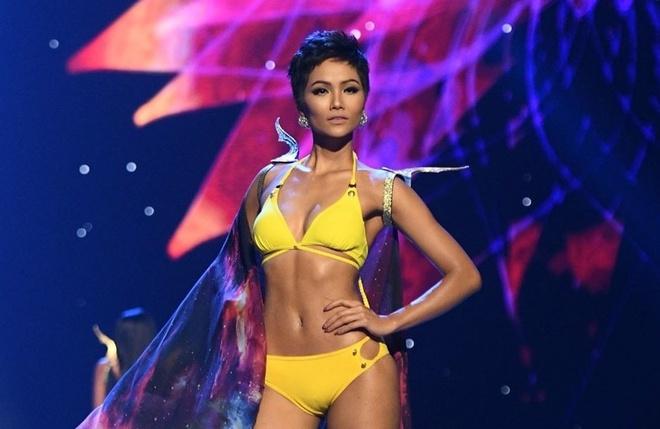 Man trinh dien ao tam nong bong cua H'Hen Nie va Top 10 Miss Universe hinh anh