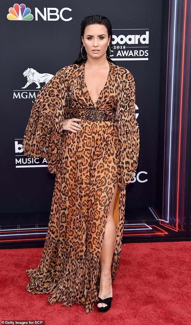 Demi Lovato hua 'khong lang phi them mot ngay' sau khi soc ma tuy hinh anh 1