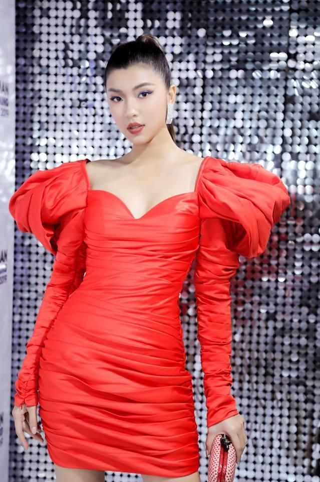Hoa hau Phuong Khanh mac dep anh 5