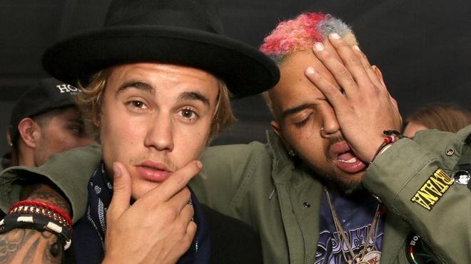 Justin Bieber bi phan doi vi ung ho Chris Brown sau cao buoc hiep dam hinh anh