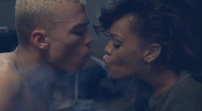 7 ban hit dinh dam lam nen ten tuoi cua ca si Rihanna hinh anh 5