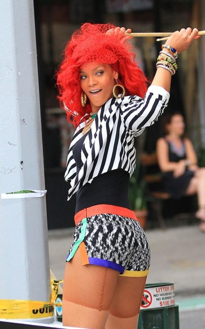 7 ban hit dinh dam lam nen ten tuoi cua ca si Rihanna hinh anh 3