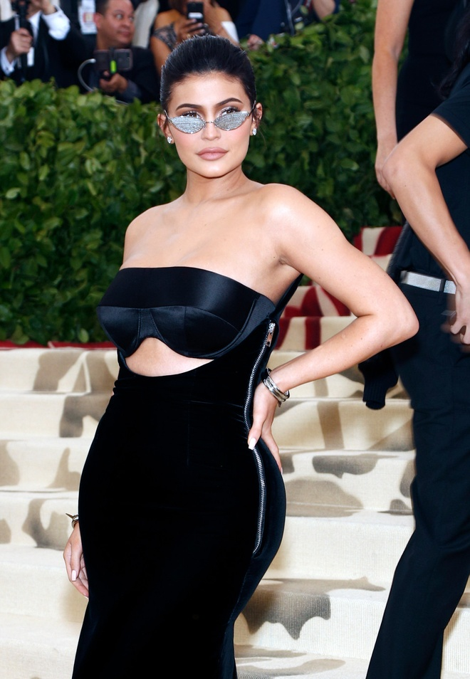 Kylie Jenner bi che nhao khi la ty phu anh 2