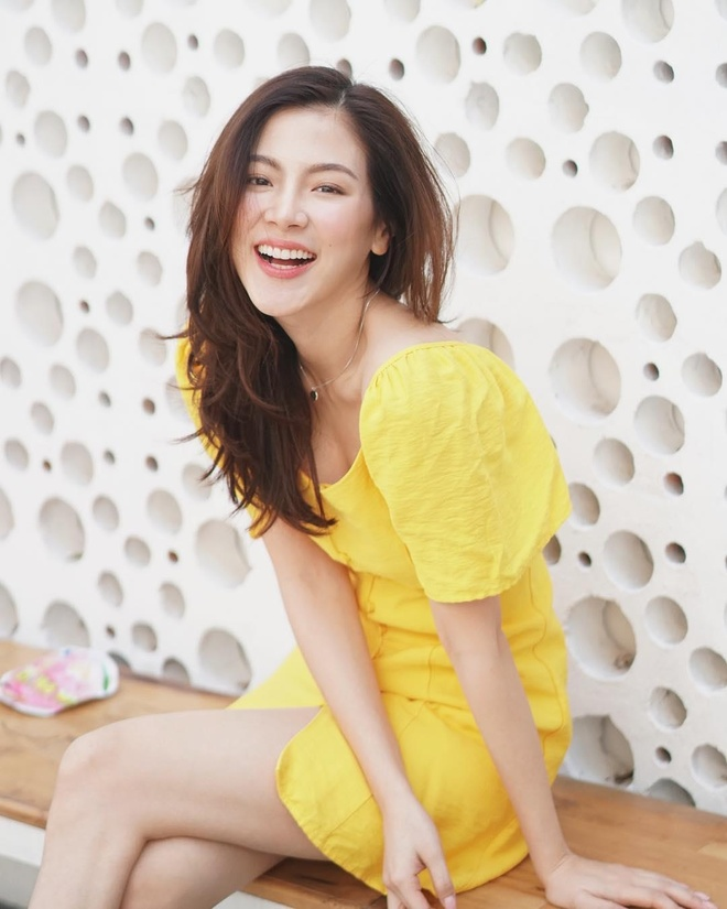 Nu chinh 'Friend Zone' tung nghien ngap, lo anh tinh duc hinh anh 8