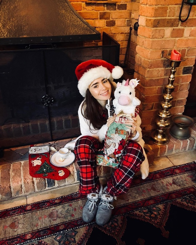 Lily Collins tuoi 30 anh 3