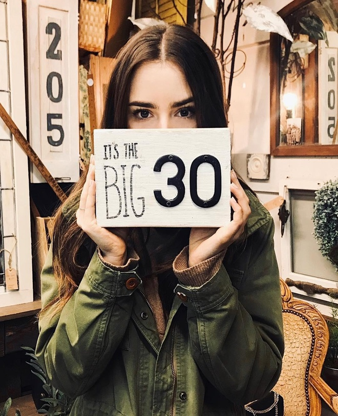 Lily Collins tuoi 30 anh 2