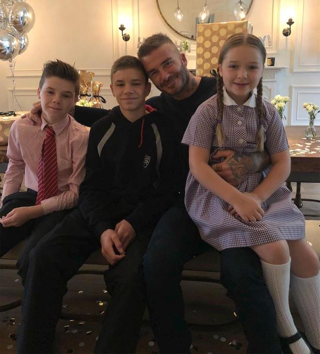 David Beckham dang video cuoi lon, treu choc vo Victoria hinh anh 3