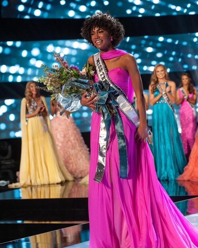 Nu vu cong da mau dang quang Miss Teen USA 2019 hinh anh 1