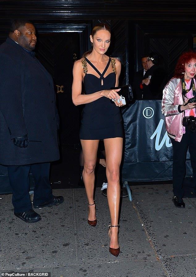 Kim Kardashian, Kylie Jenner nhiet tinh khoe vong 1 tai tiec Met Gala hinh anh 10