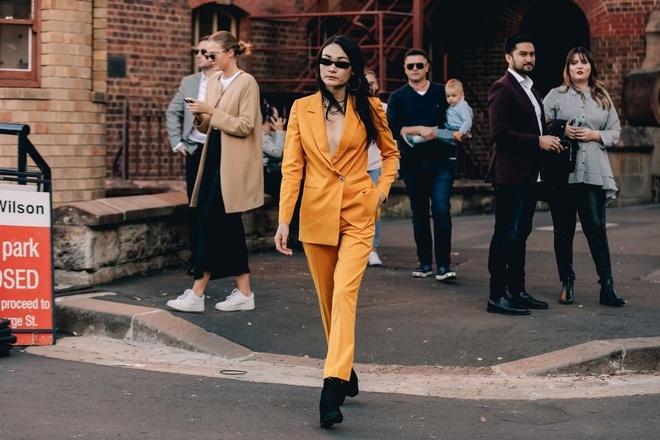 Hai mau Viet duoc Vogue khen mac dep tai Sydney Fashion Week hinh anh 1