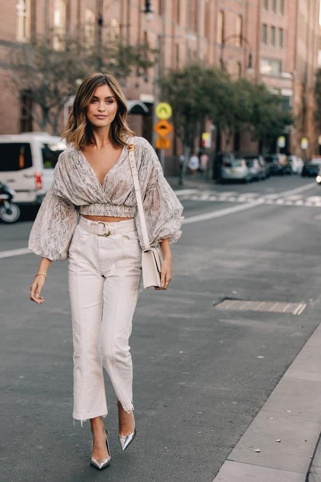 Hai mau Viet duoc Vogue khen mac dep tai Sydney Fashion Week hinh anh 6
