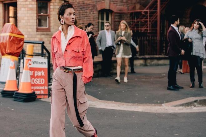 Hai mau Viet duoc Vogue khen mac dep tai Sydney Fashion Week hinh anh 2