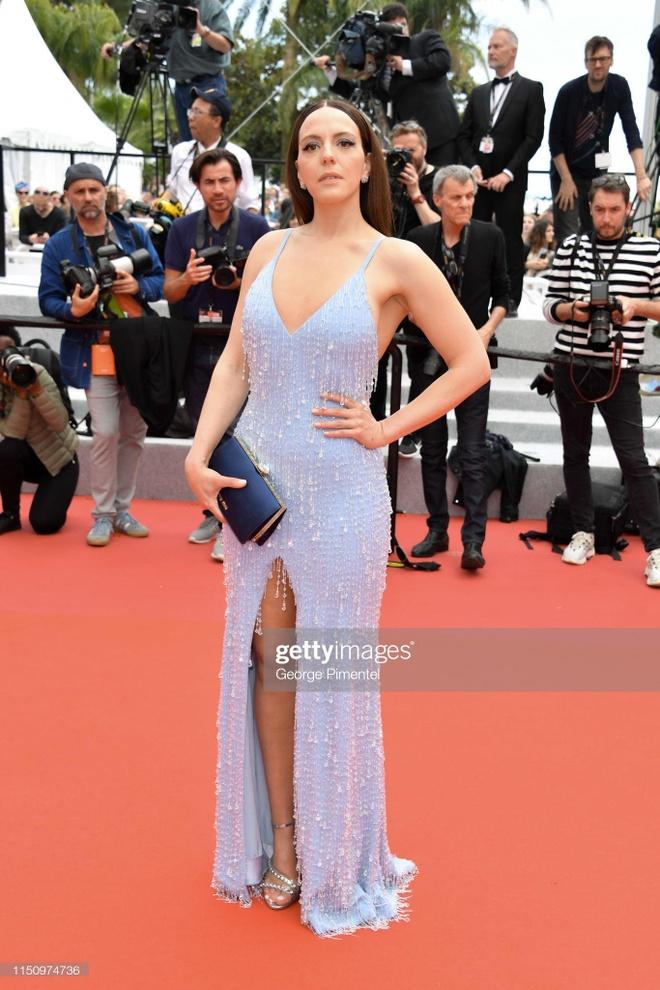 'Bong hong Phap' Marion Cotillard dien crop-top khoe eo tai Cannes hinh anh 5