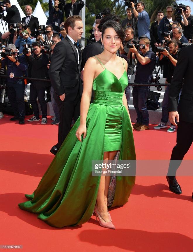 'Bong hong Phap' Marion Cotillard dien crop-top khoe eo tai Cannes hinh anh 7