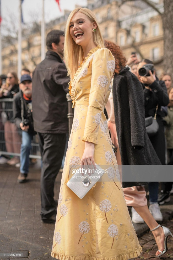street style cua Elle Fanning anh 1