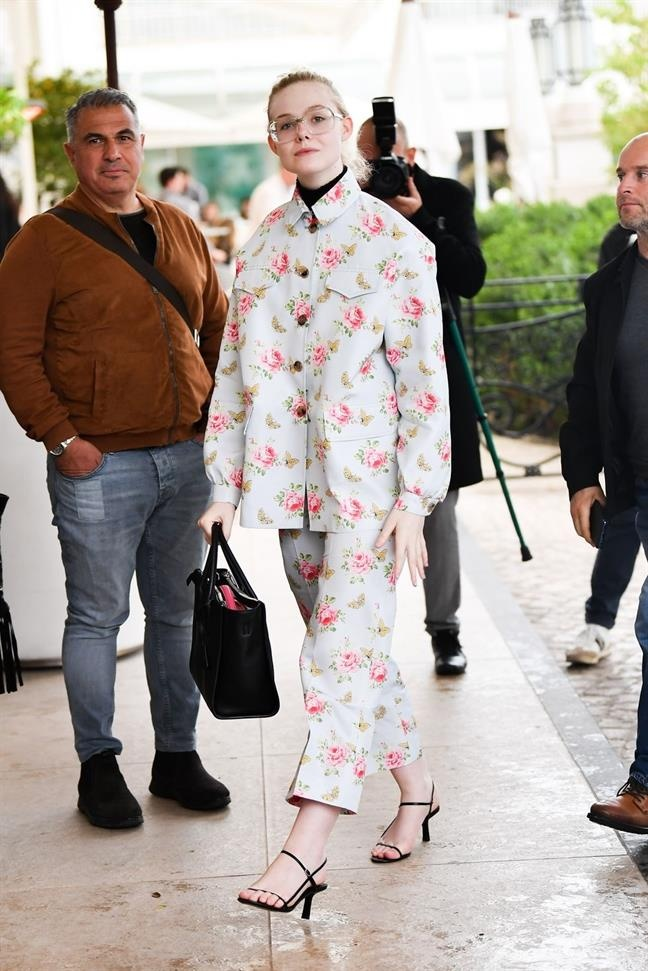 street style cua Elle Fanning anh 4