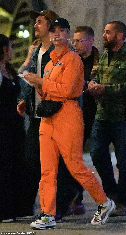 Orlando Bloom om hon Katy Perry trong cong vien hinh anh 5