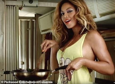 'You Need To Calm Down' cua Swift muon y tuong tu MV cua Beyonce? hinh anh 4