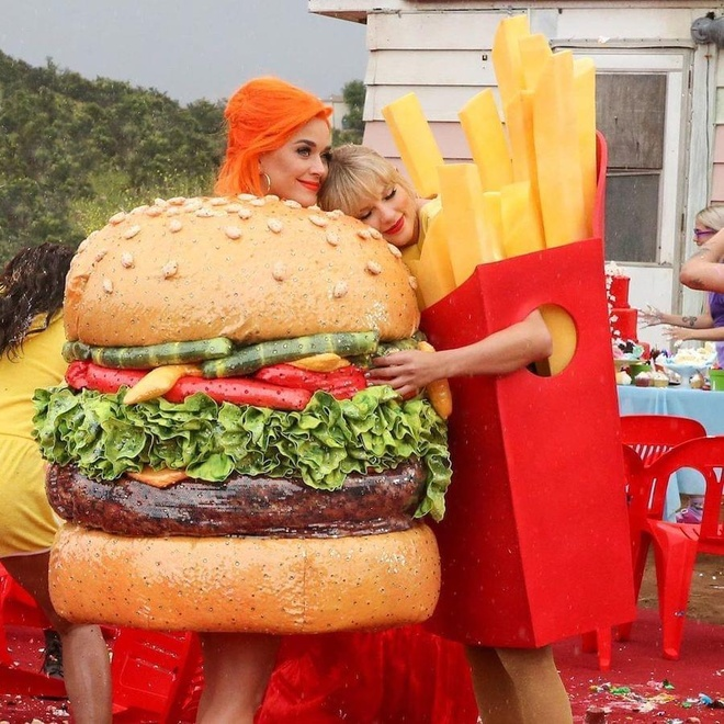 'You Need To Calm Down' cua Swift muon y tuong tu MV cua Beyonce? hinh anh 1