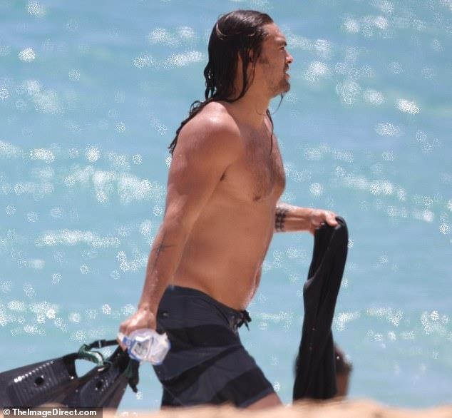 Tai tu 'Aquaman' gay that vong vi tang can, mat 6 mui hap dan hinh anh 2