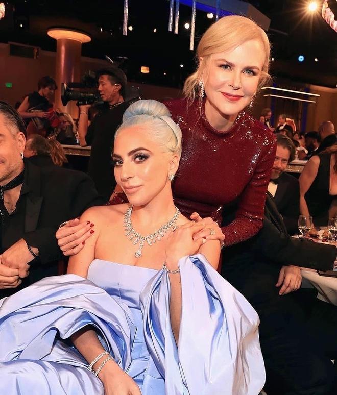 Nicole Kidman phanh ao khoe nguc o tuoi 52 hinh anh 8