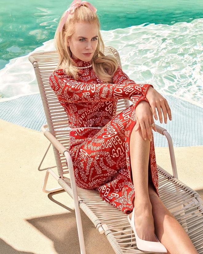 Nicole Kidman phanh ao khoe nguc o tuoi 52 hinh anh 7