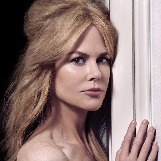 Nicole Kidman phanh ao khoe nguc o tuoi 52 hinh anh 2