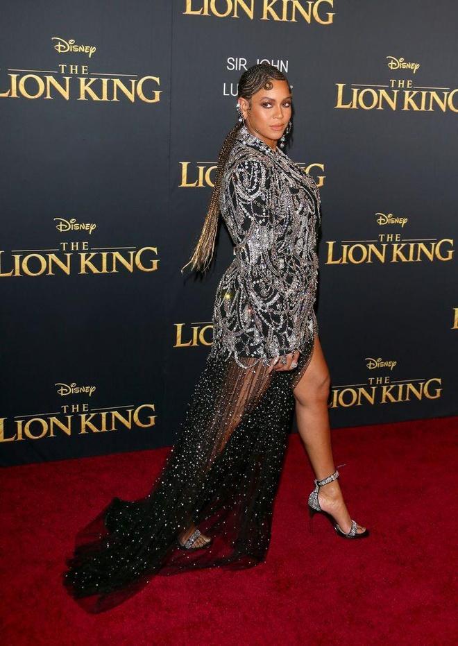 Me con Beyonce cung dan sao Hollywood chung dien tren tham do hinh anh 2