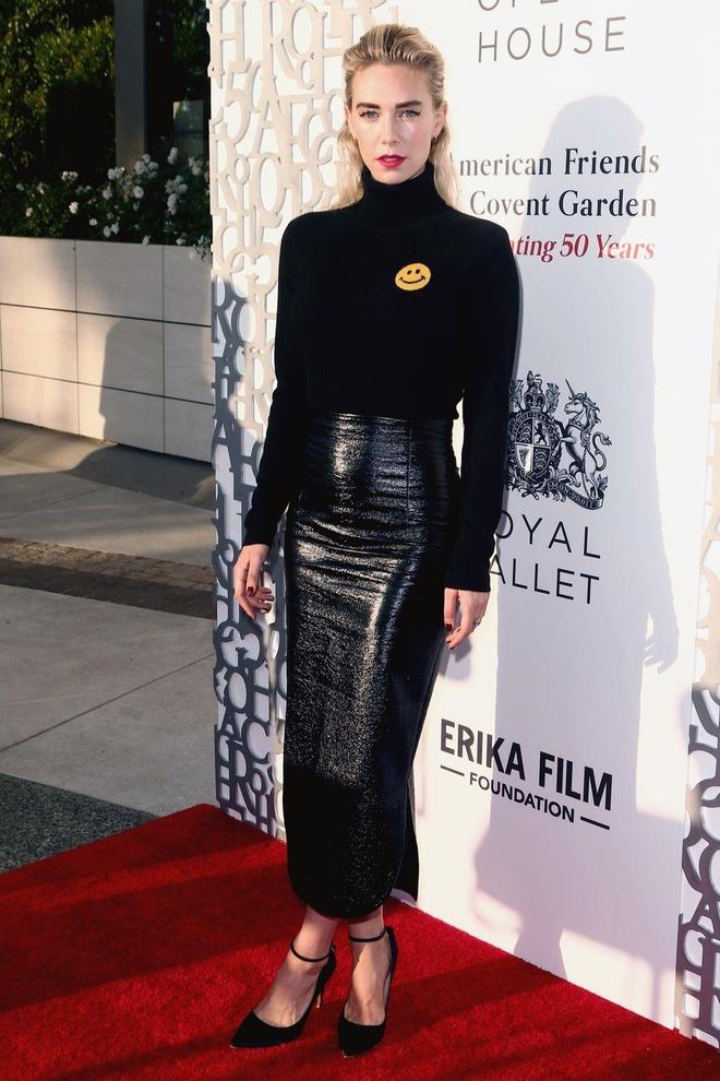 Angelina Jolie, Elle Fanning dep nhat tuan voi dam ho vai hinh anh 7