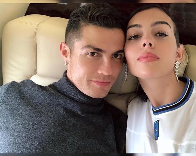 Lo bung to bat thuong, ban gai Ronaldo bi nghi mang bau lan 2 hinh anh 3