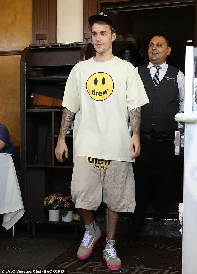 Justin Bieber mat mun anh 3