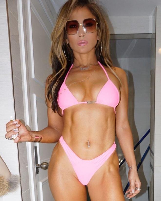 Jennifer Lopez co bung 6 mui anh 7