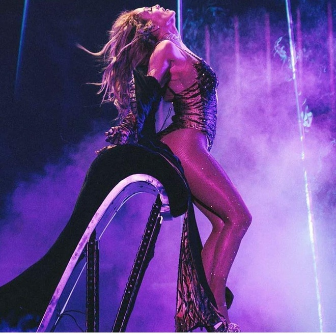 Jennifer Lopez co bung 6 mui anh 5