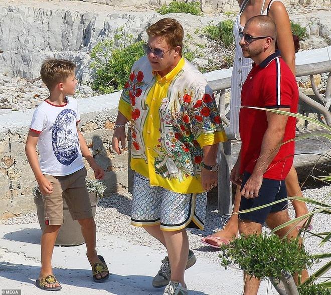 David Beckham khong ngung om ap, khoa moi vo tren du thuyen hinh anh 9