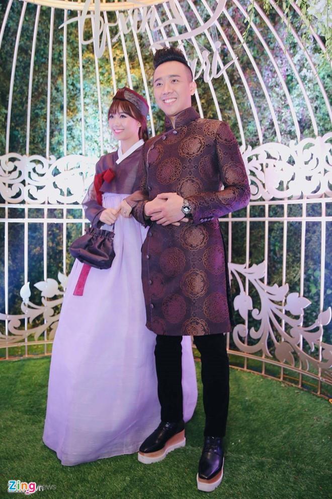 Tran Thanh, Quang Anh 'Ve nha di con' co so thich mang giay don hinh anh 6