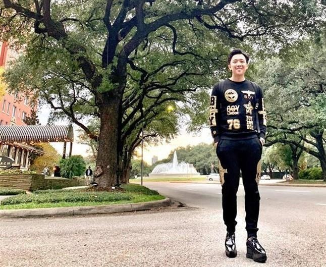 Tran Thanh, Quang Anh 'Ve nha di con' co so thich mang giay don hinh anh 7
