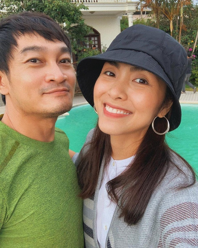 Tang Thanh Ha om Truong Minh Quoc Thai sau 15 nam dong 'Huong phu sa' hinh anh 1